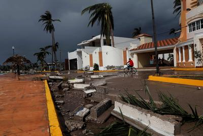 Mexico cleans up after Hurricane Willa