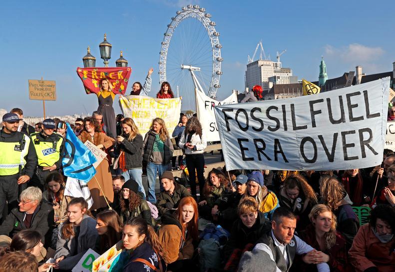 reuters.com - Reuters Editorial - London bridges blocked by environment protest, 70 arrested