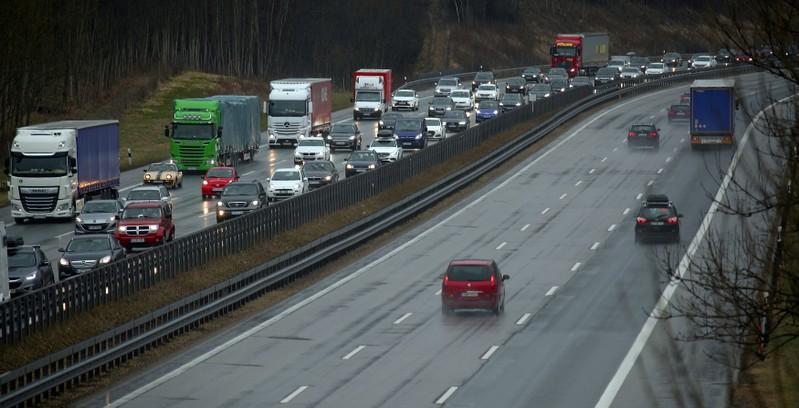 EU talks to set CO2 emission limits for cars founder