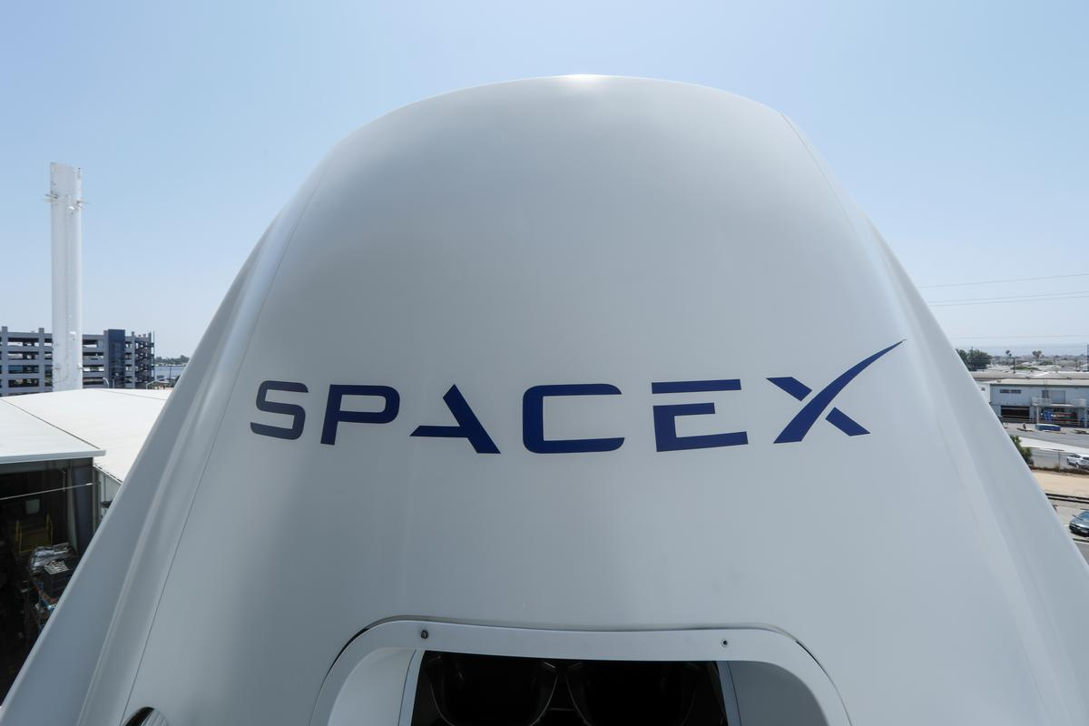 SpaceX to lay off about 10 percent of its workforce: LA Times