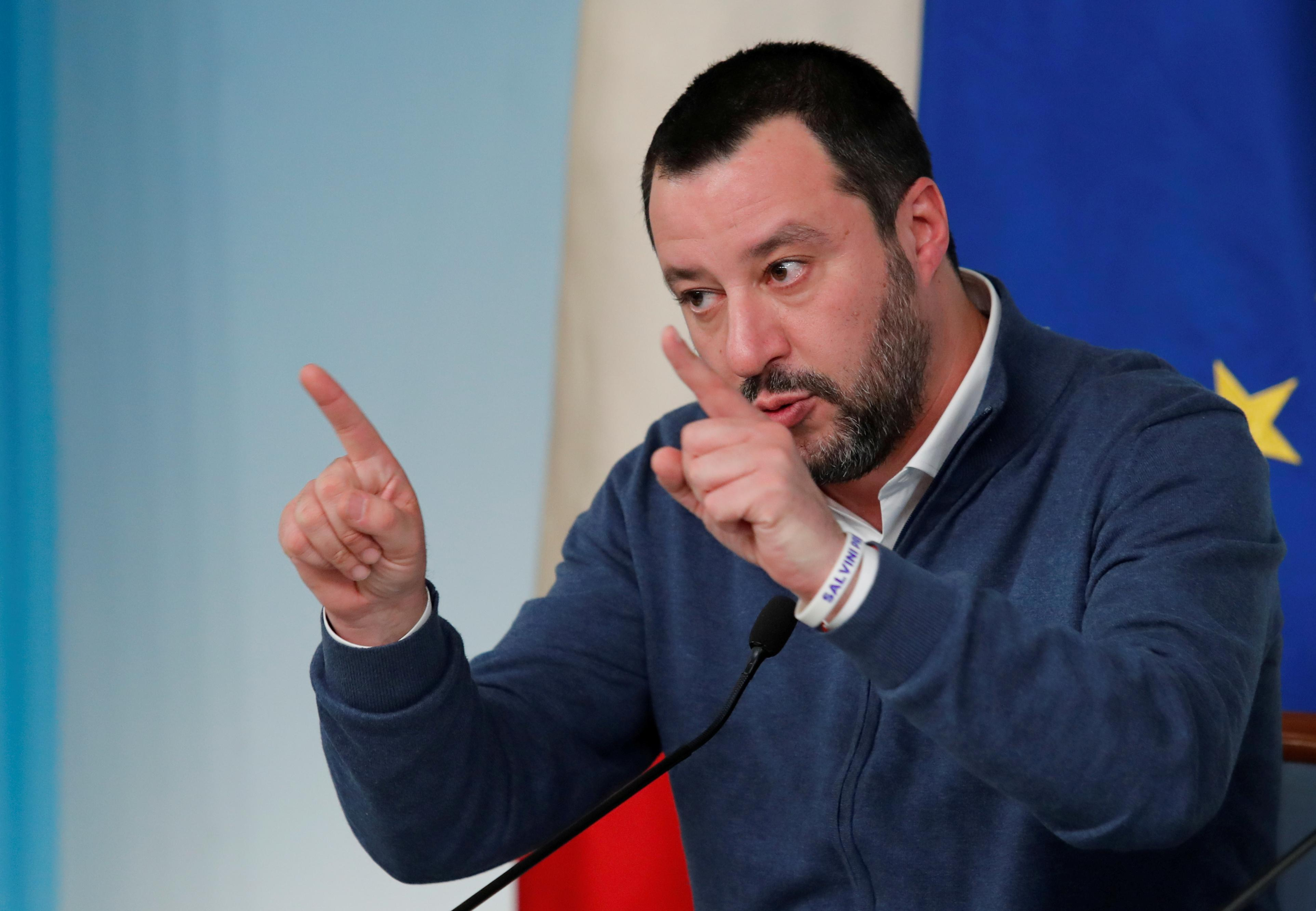 Italy's populist leaders pledge to replace central bank's top brass