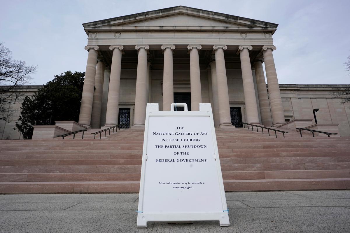 Tariffs, government shutdown weigh on still-growing economy: Fed
