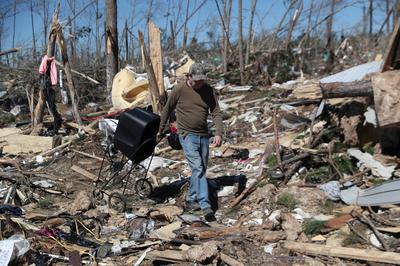 Deadly tornadoes strike Alabama