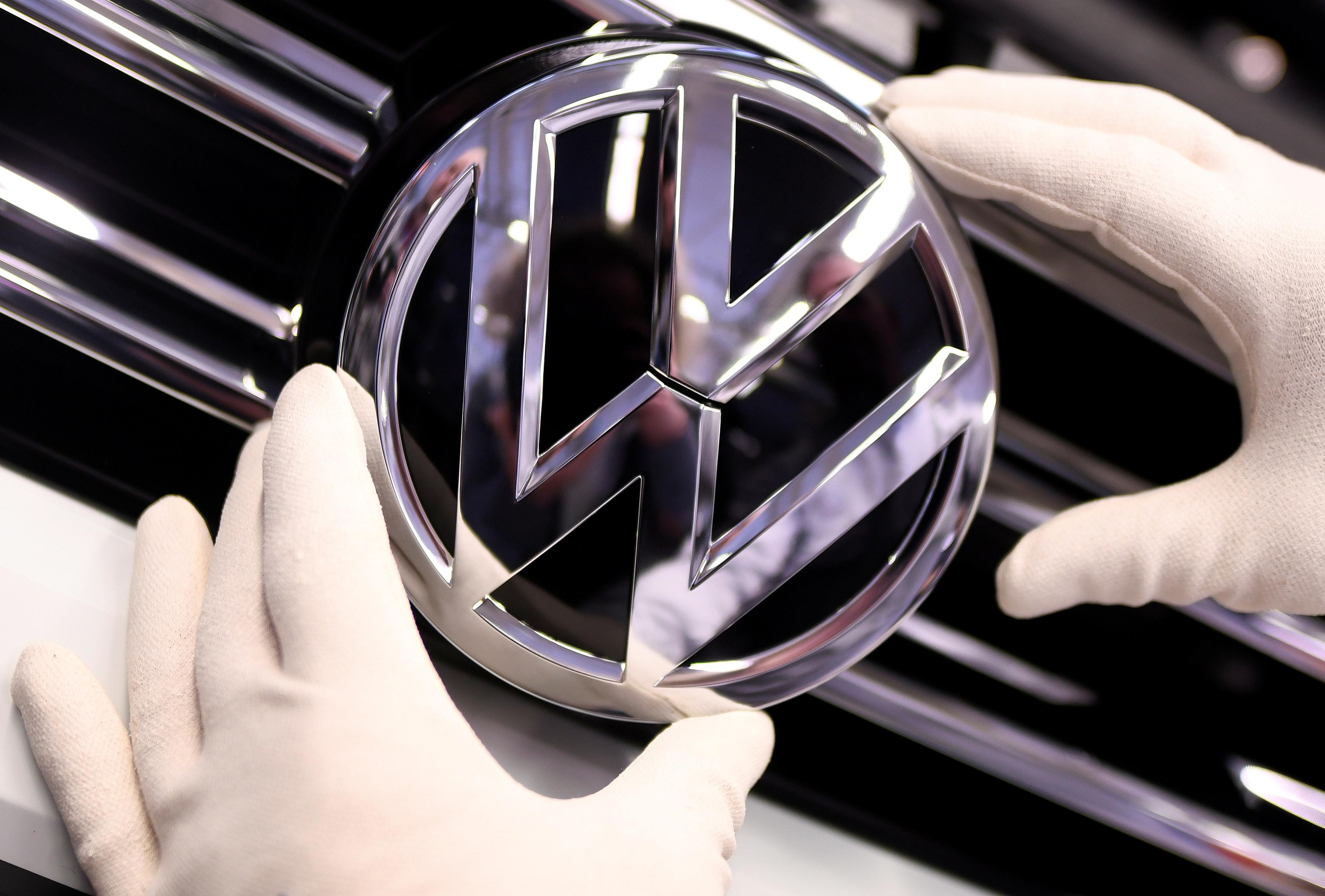 Volkswagen Chattanooga Jobs >> Vw Brand To Cut Up To 7 000 Jobs In New Savings Drive Reuters