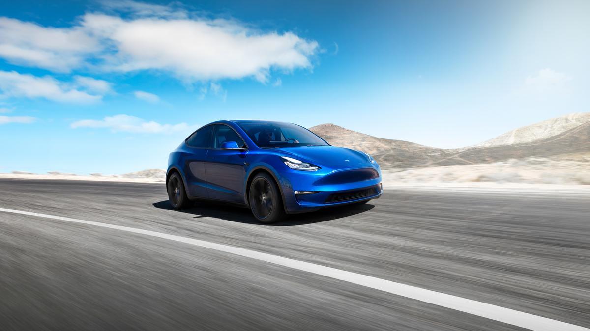 Cash, Demand Concerns Overshadow Tesla's SUV Launch