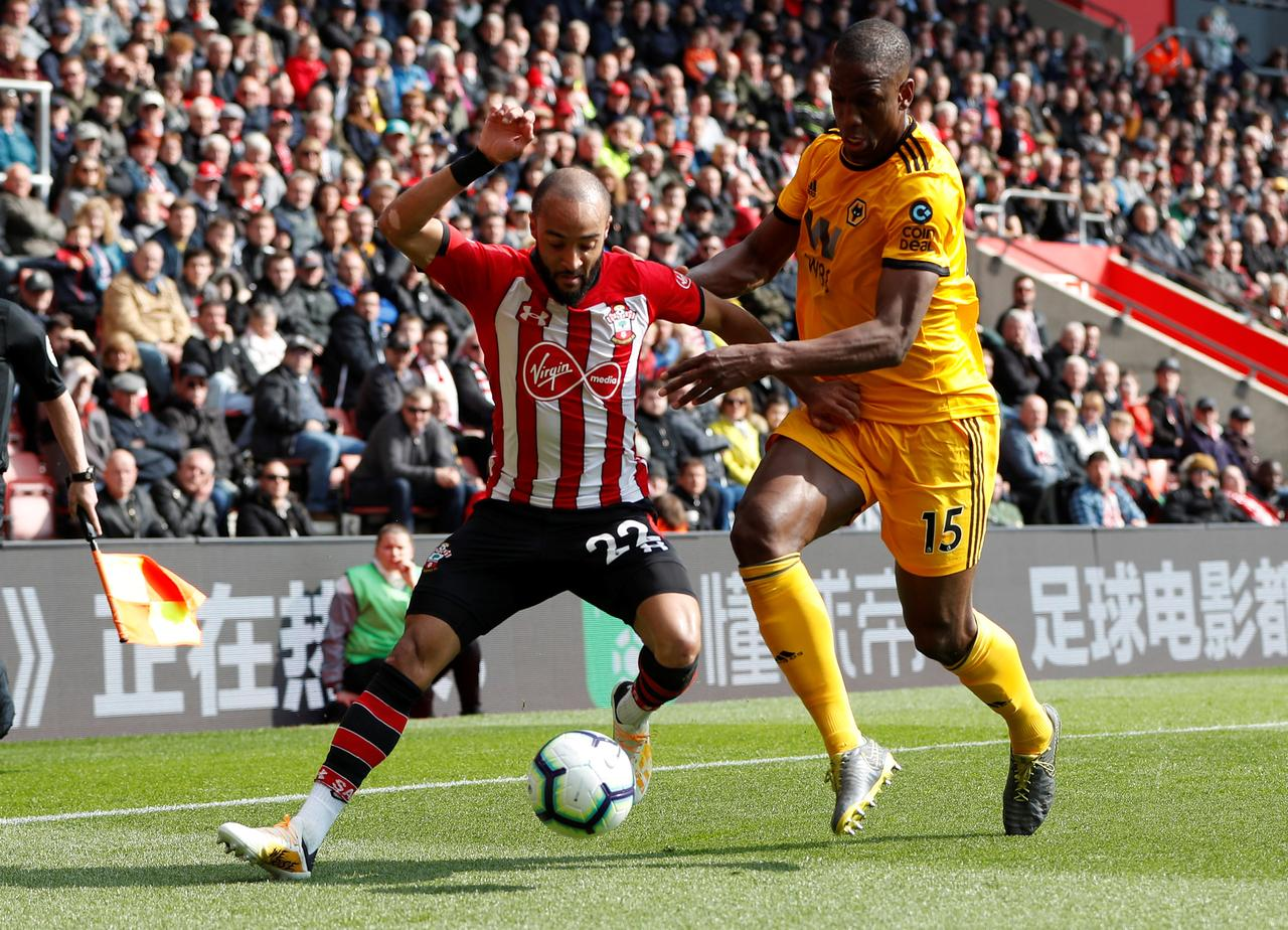 Redmond Double Helps Southampton Beat Timid Wolves 3 1 Reuters