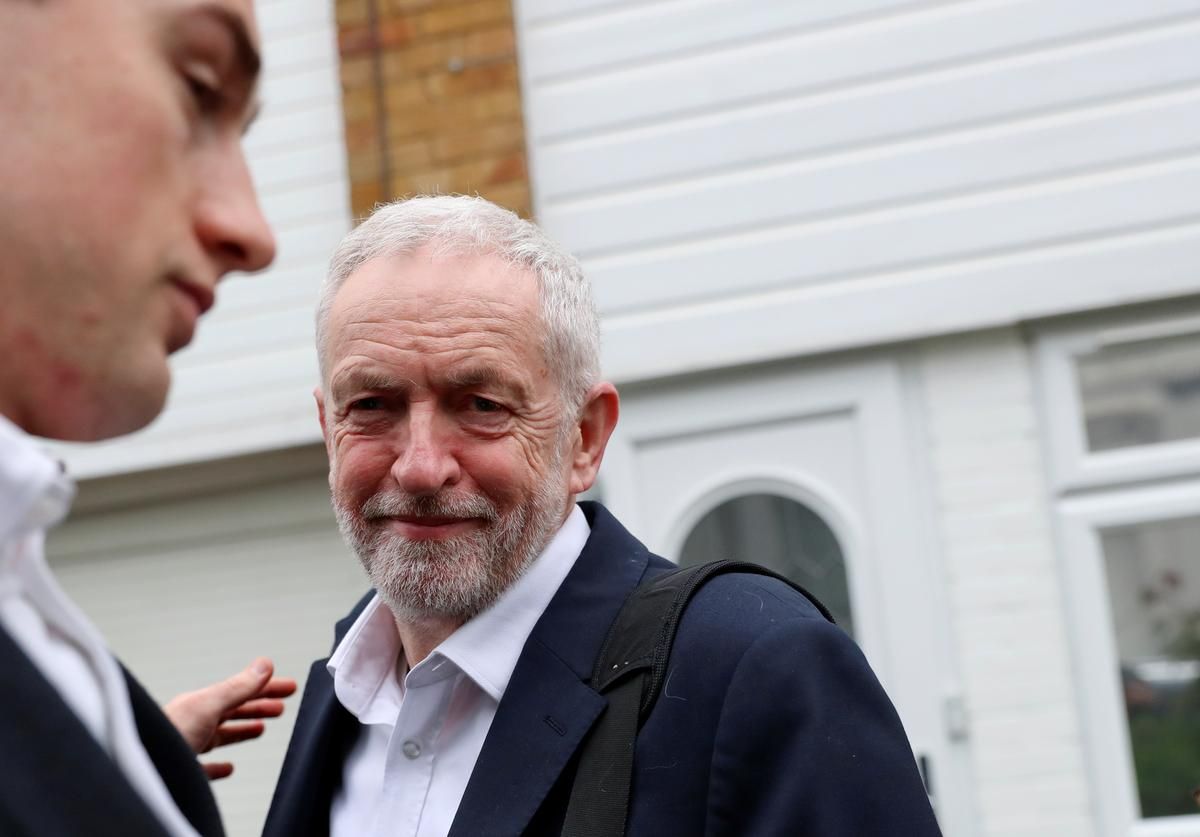 Opposition Labour Party denies newspaper report UK Brexit talks stalled