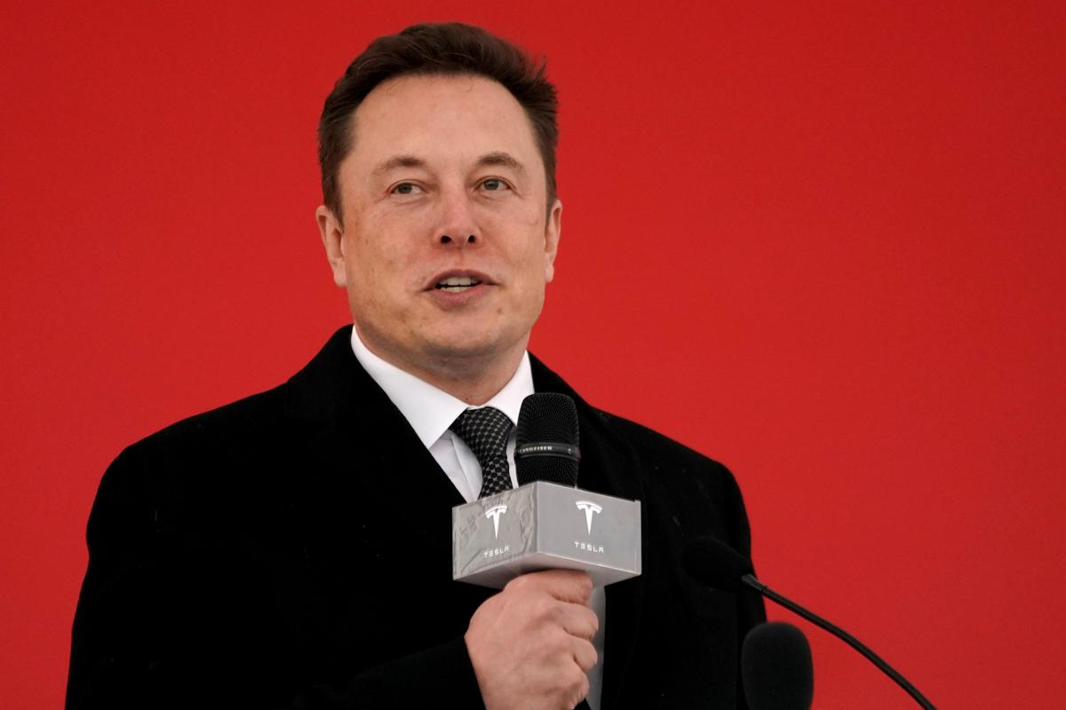 Tesla's Musk Says Considering Building Factory in Germany