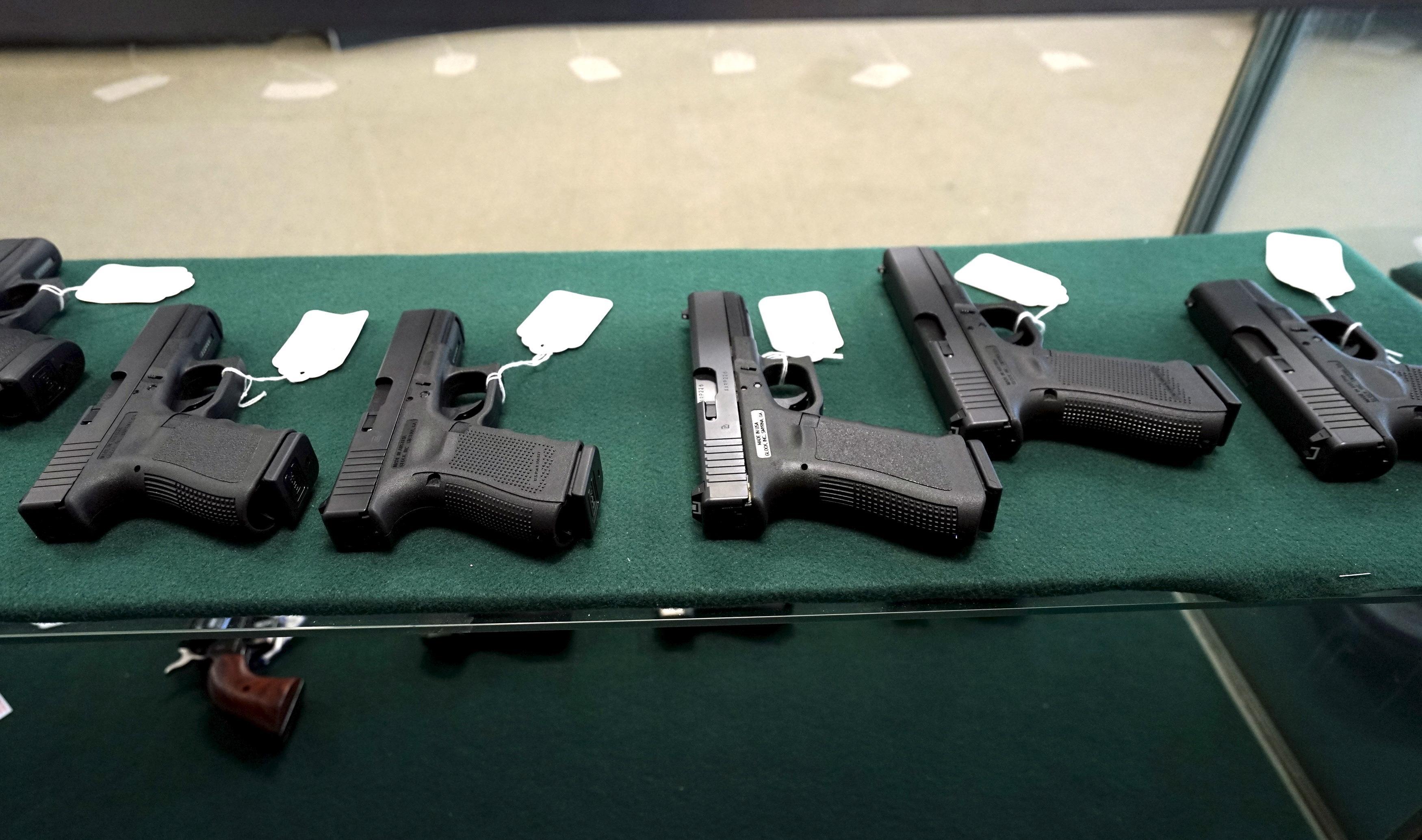 Florida teachers can arm themselves under new gun bill - Reuters
