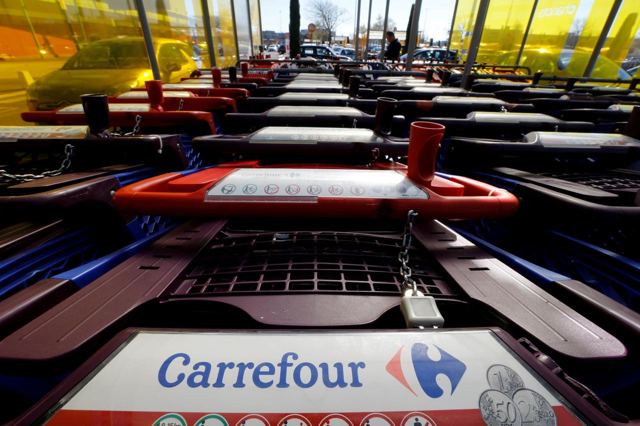 Carrefour Considers Sale Of Stake In China Business Sources Reuters