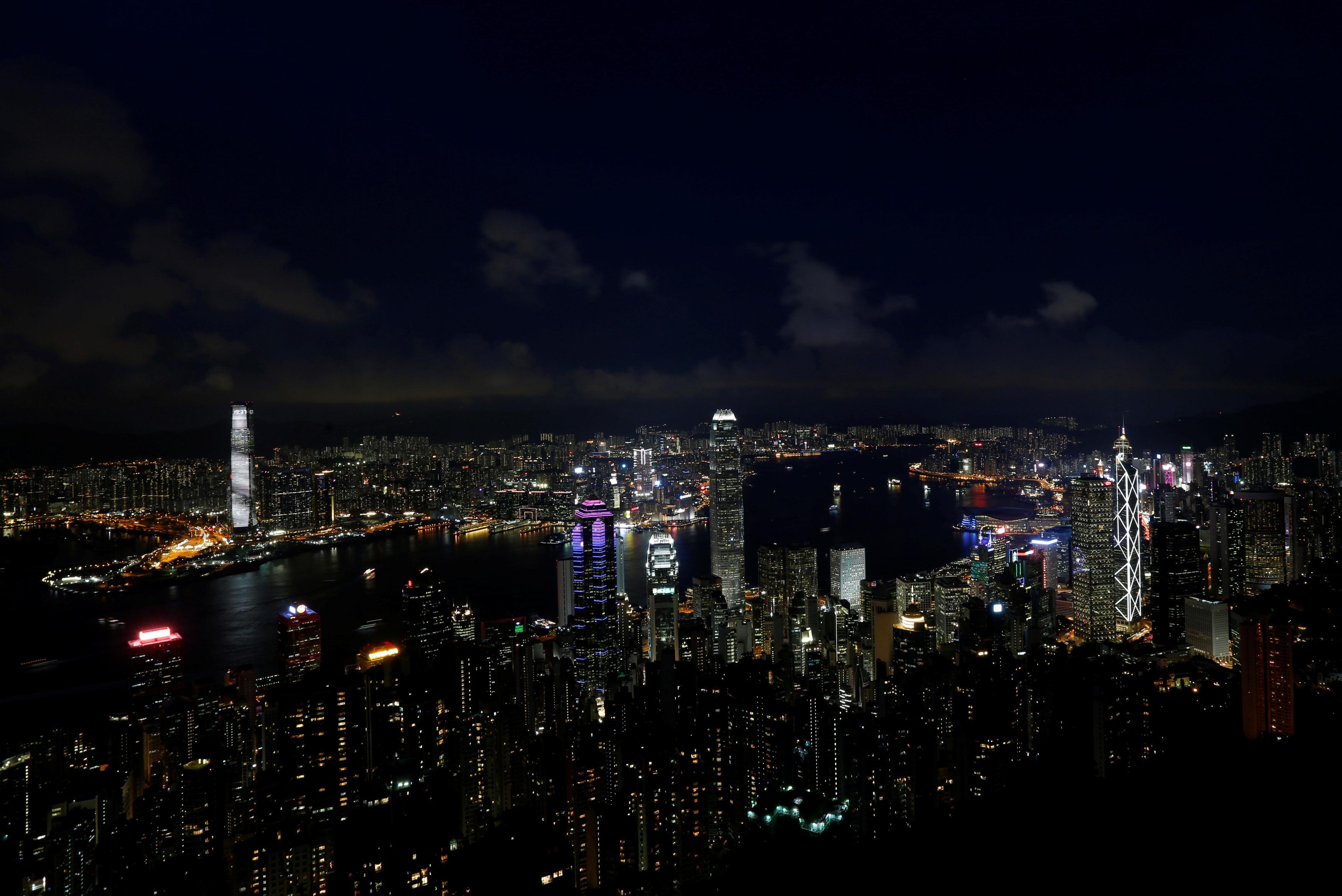 Hong Kong raises $1 billion in oversubscribed first green bond