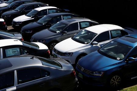 U.S. auto sales seen slipping 2.1% in May: J.D. Power, LMC Automotive