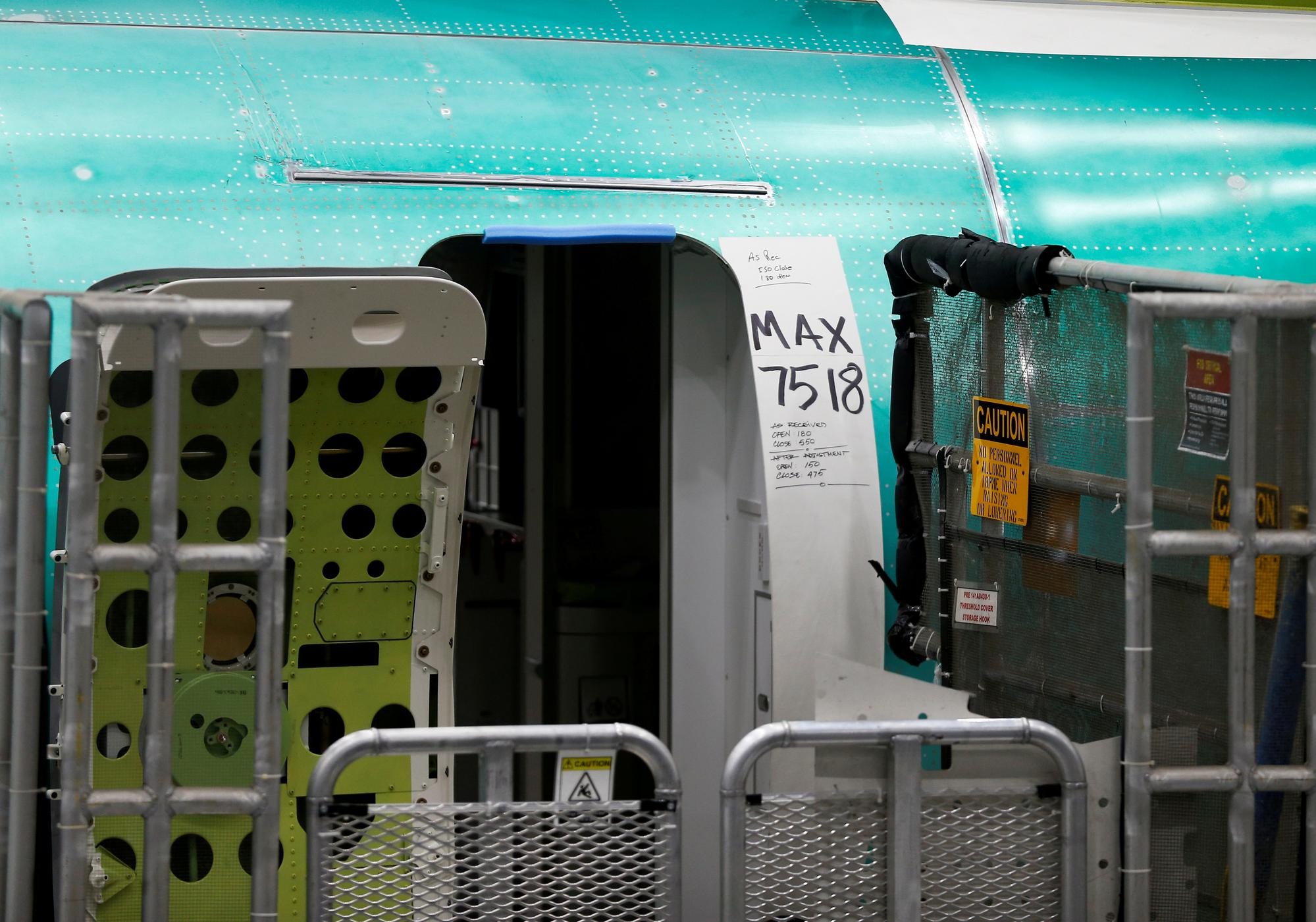 Polish LOT rules out cancelling Boeing 737 MAX order