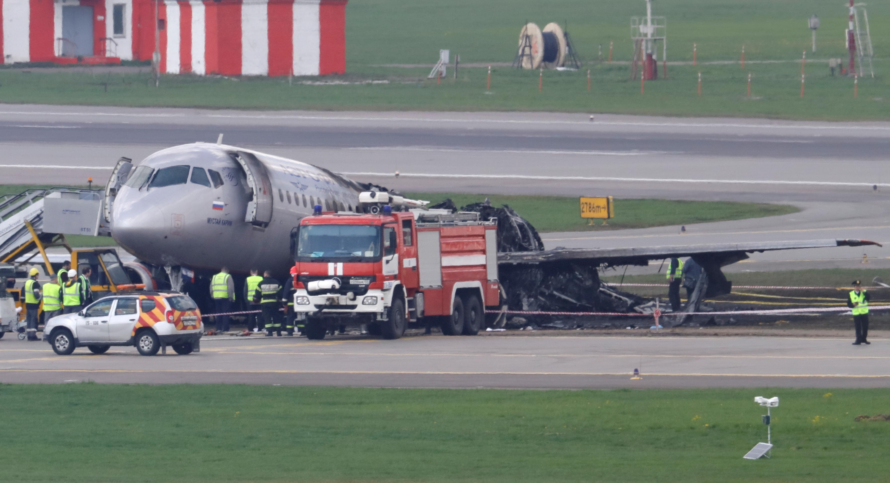 Lightning struck Russian plane before it crashed - investigation
