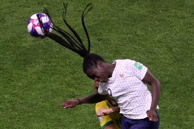 Women's World Cup: France 2 - Brazil 1