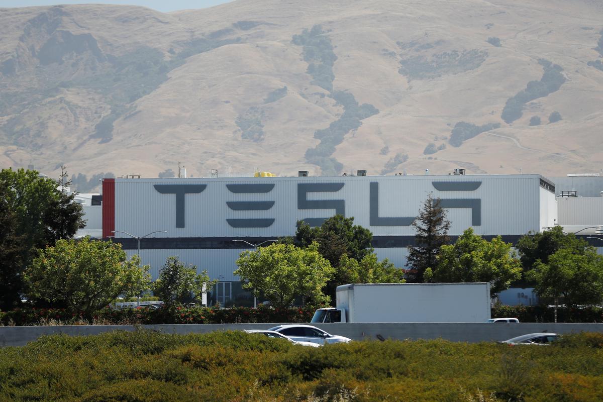 Tesla's senior production executive at Fremont facility quits: source