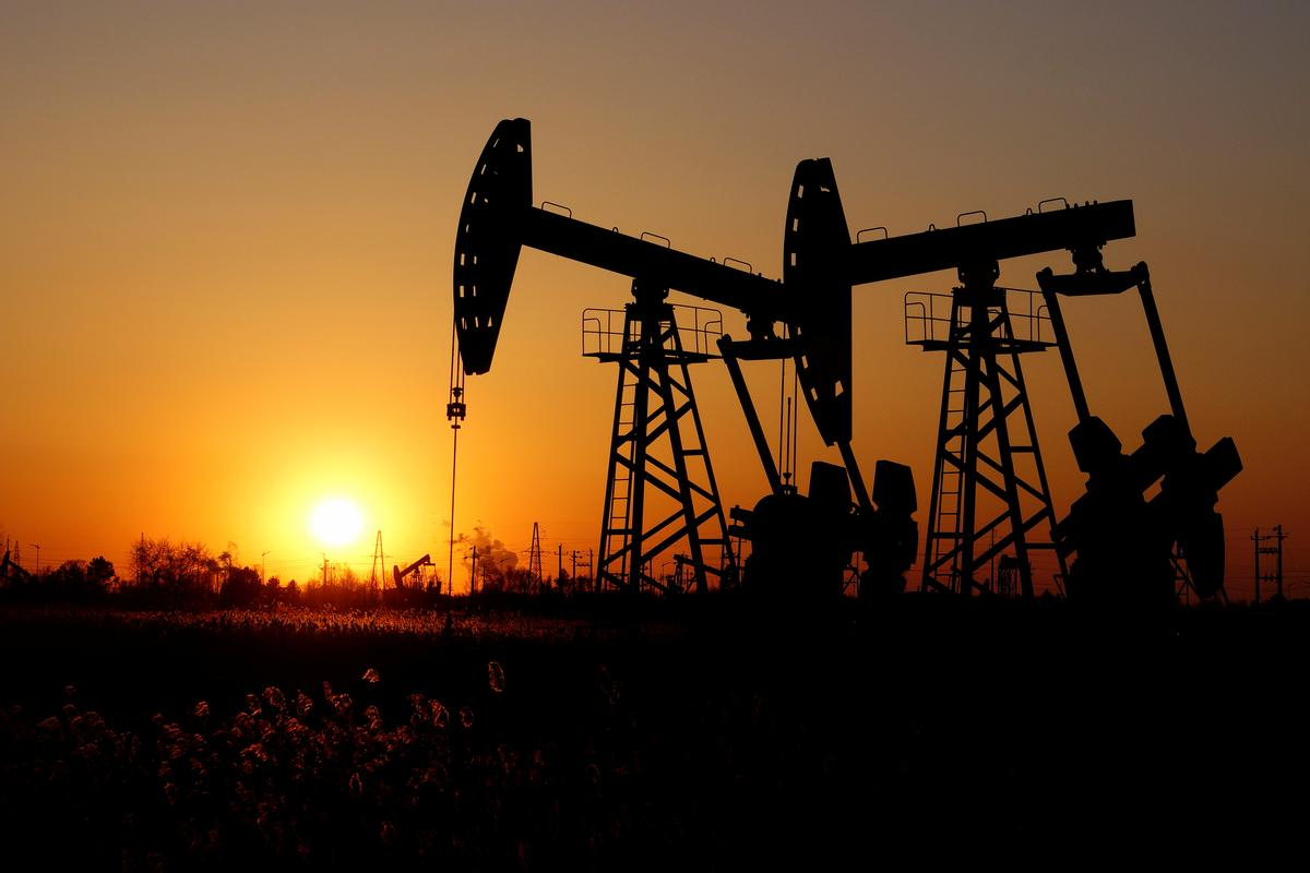 Oil steadies on OPEC cuts, but oversupply fears persist