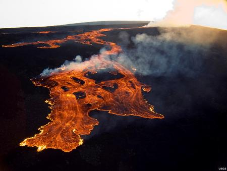 Alert level raised for Hawaii volcano due to rumbles, quakes