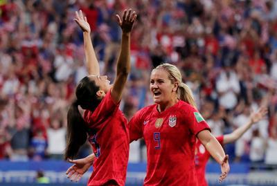 Women's World Cup: USA 2 - England 1