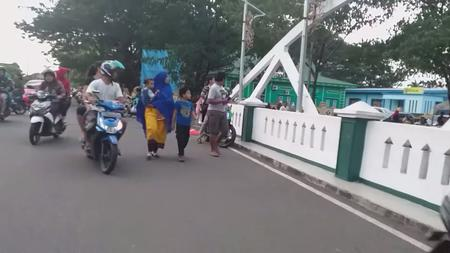 Quake causes panic in eastern Indonesia; one killed