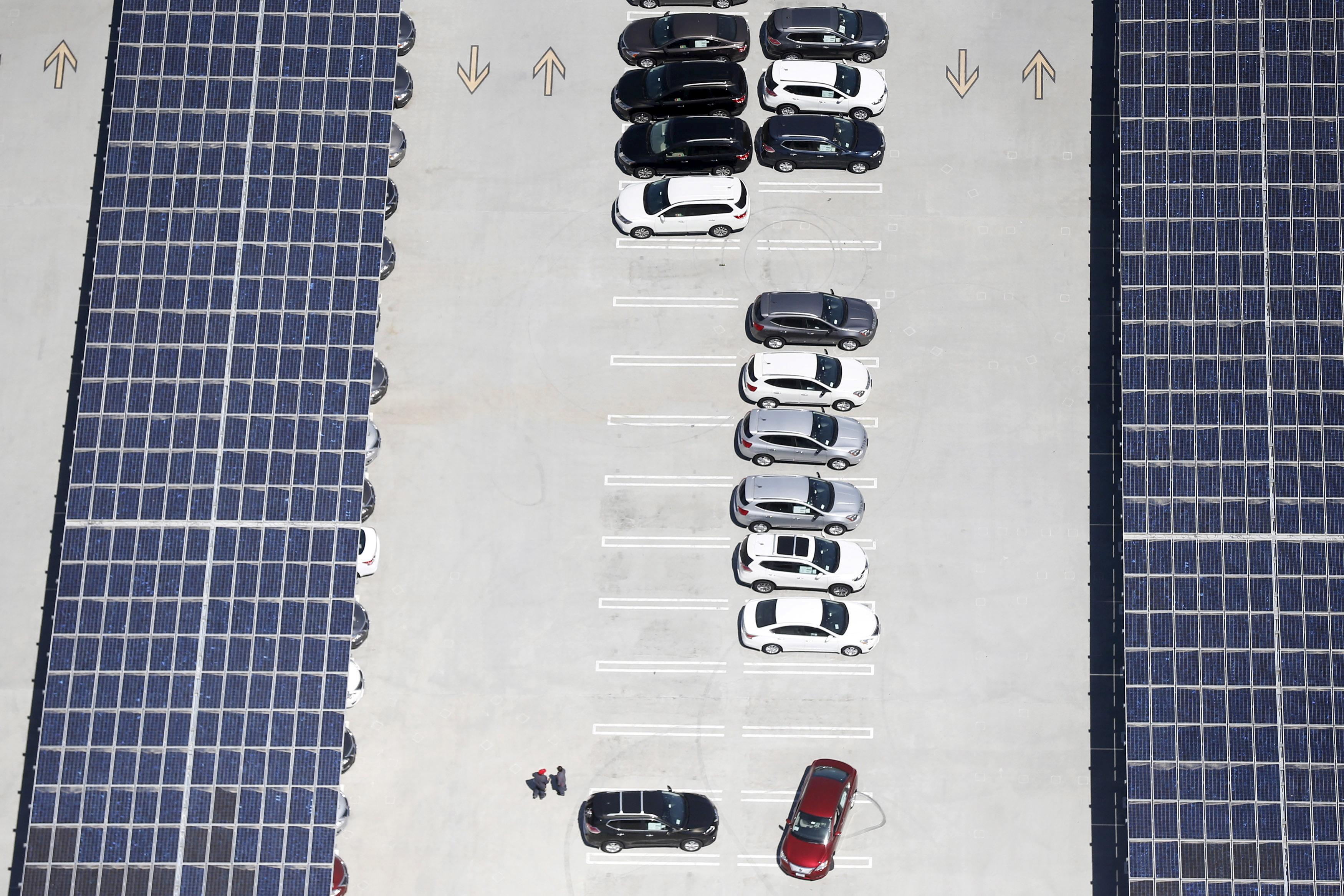 Expiring U S  solar subsidy spurs rush for panels - Reuters