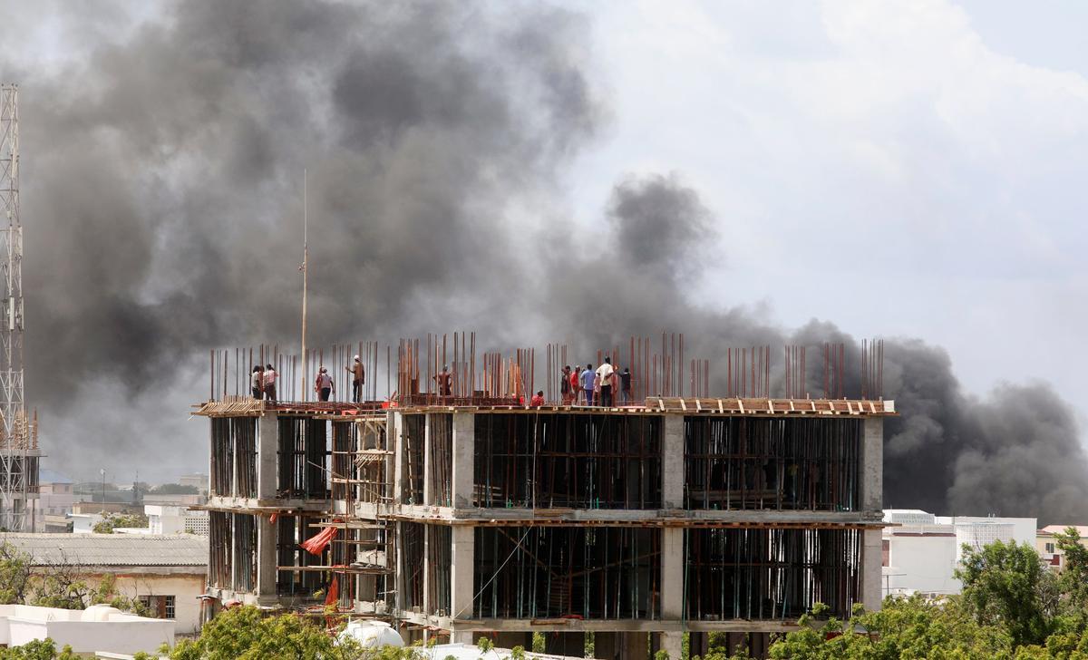 At least 17 killed in bomb attack in Somalia capital