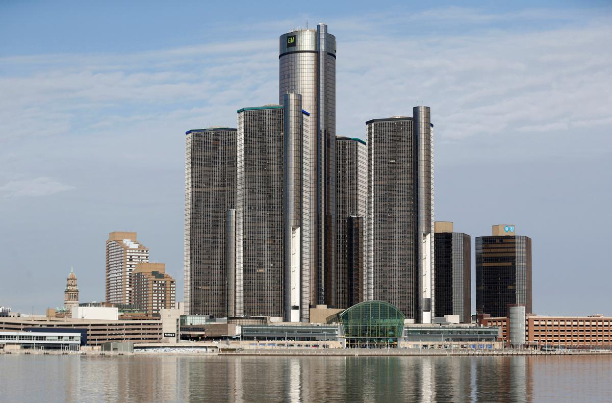 GM braces for attacks from Democrats in Detroit debates