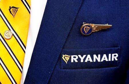 Ryanair Spanish pilots threaten strike as unrest spreads
