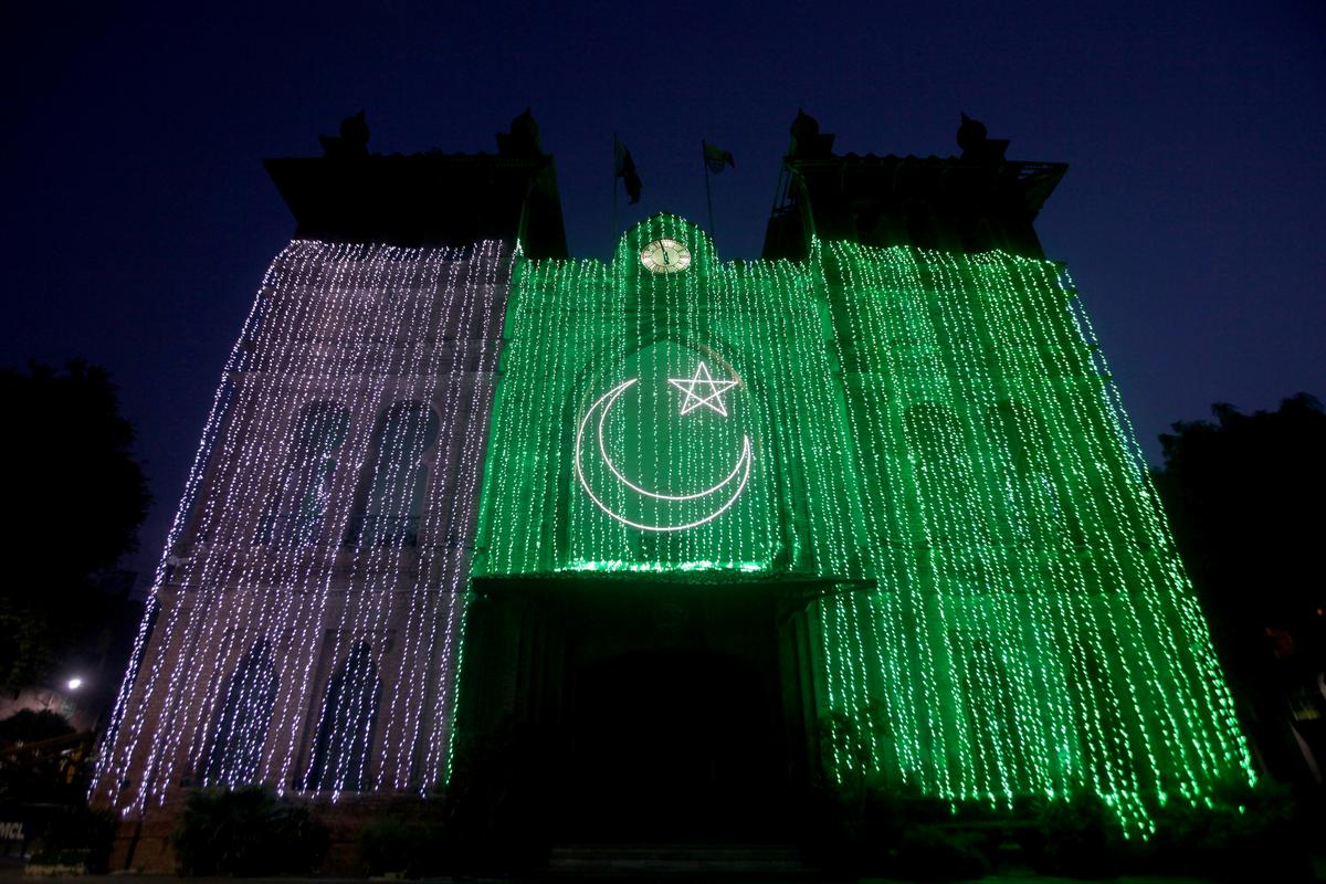 Pakistan celebrates Independence Day but tensions with India remain high