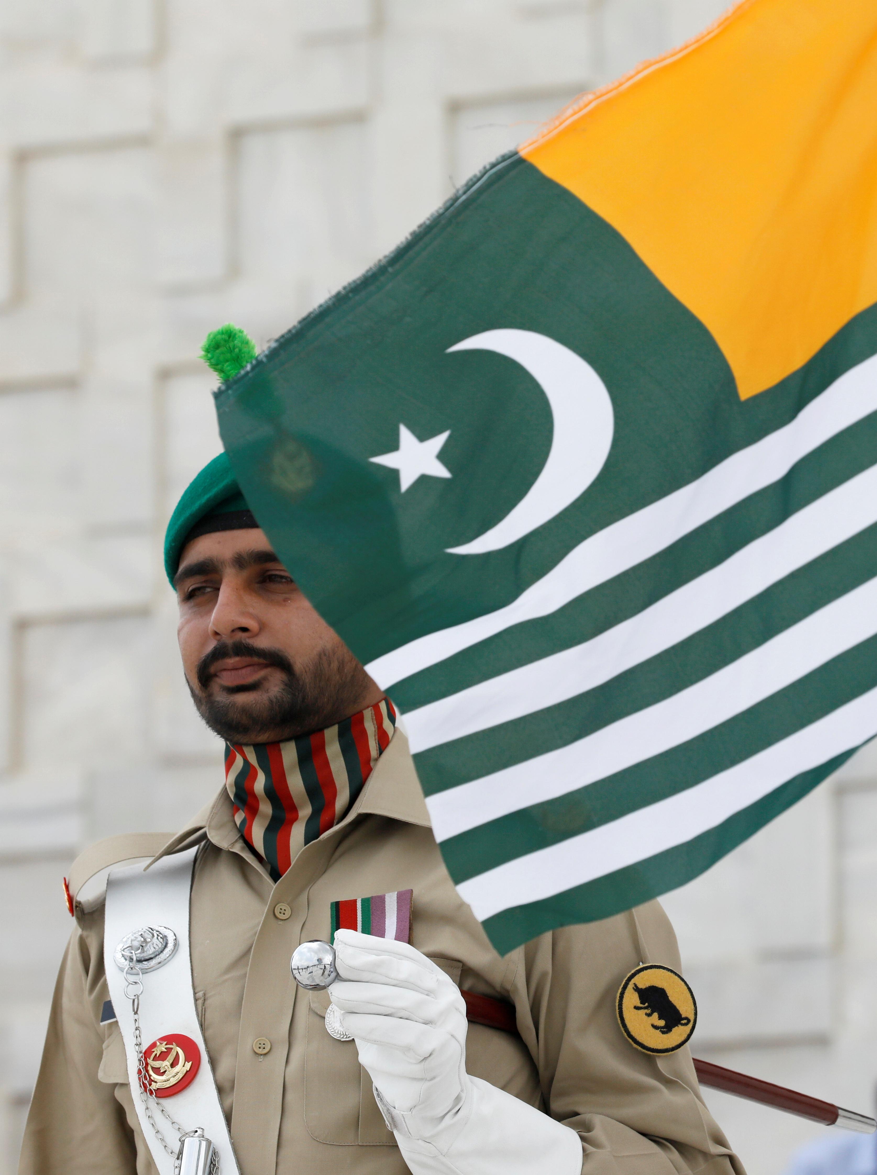 Le Premier ministre pakistanais accuse l'Inde d'avoir planifié une action militaire au Cachemire