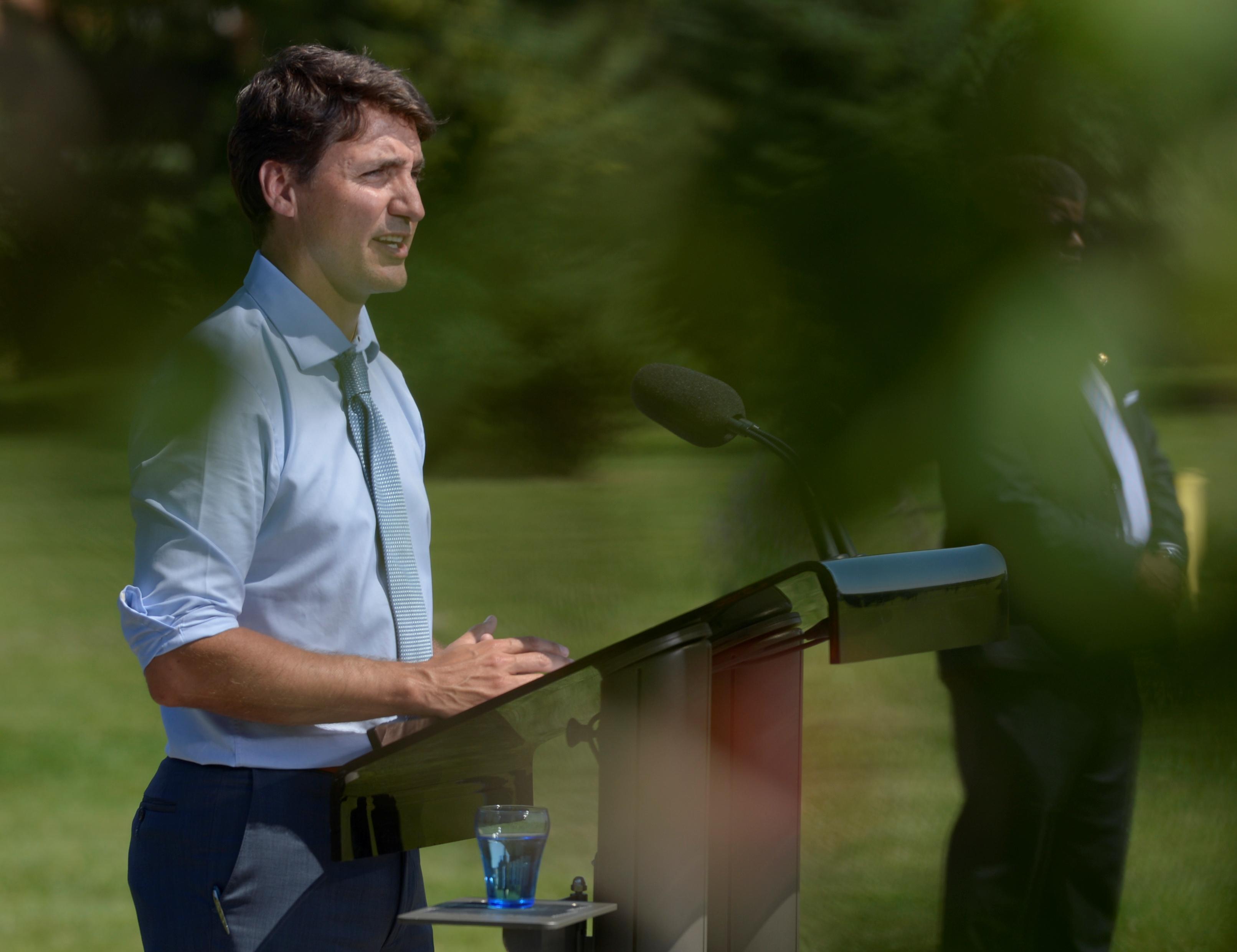 Le Canadien Trudeau reconnaît qu'il a enfreint les règles d'éthique et refuse de s'excuser