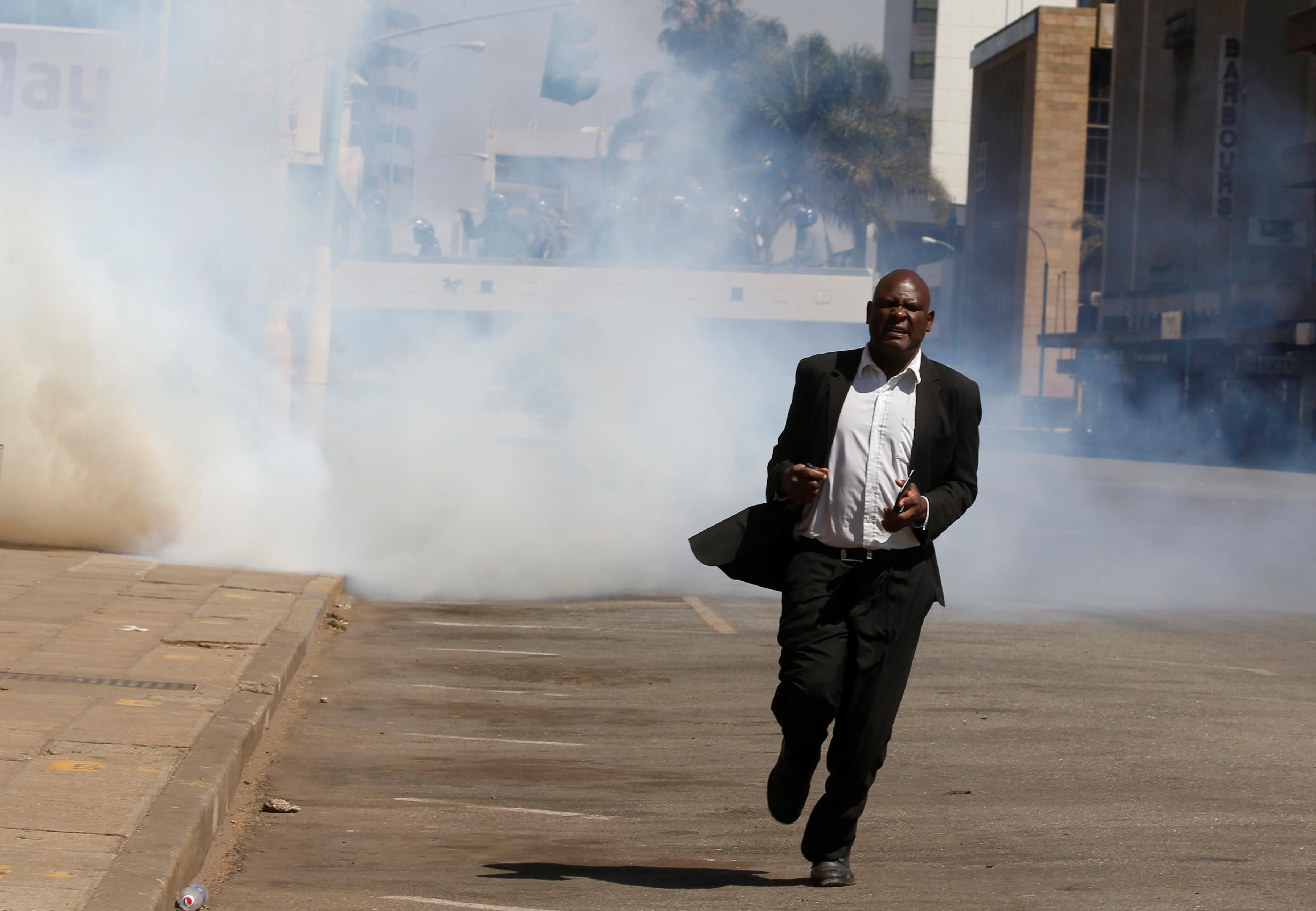 Zimbabwe opposition backs down from protest to avoid 'blood in the streets'