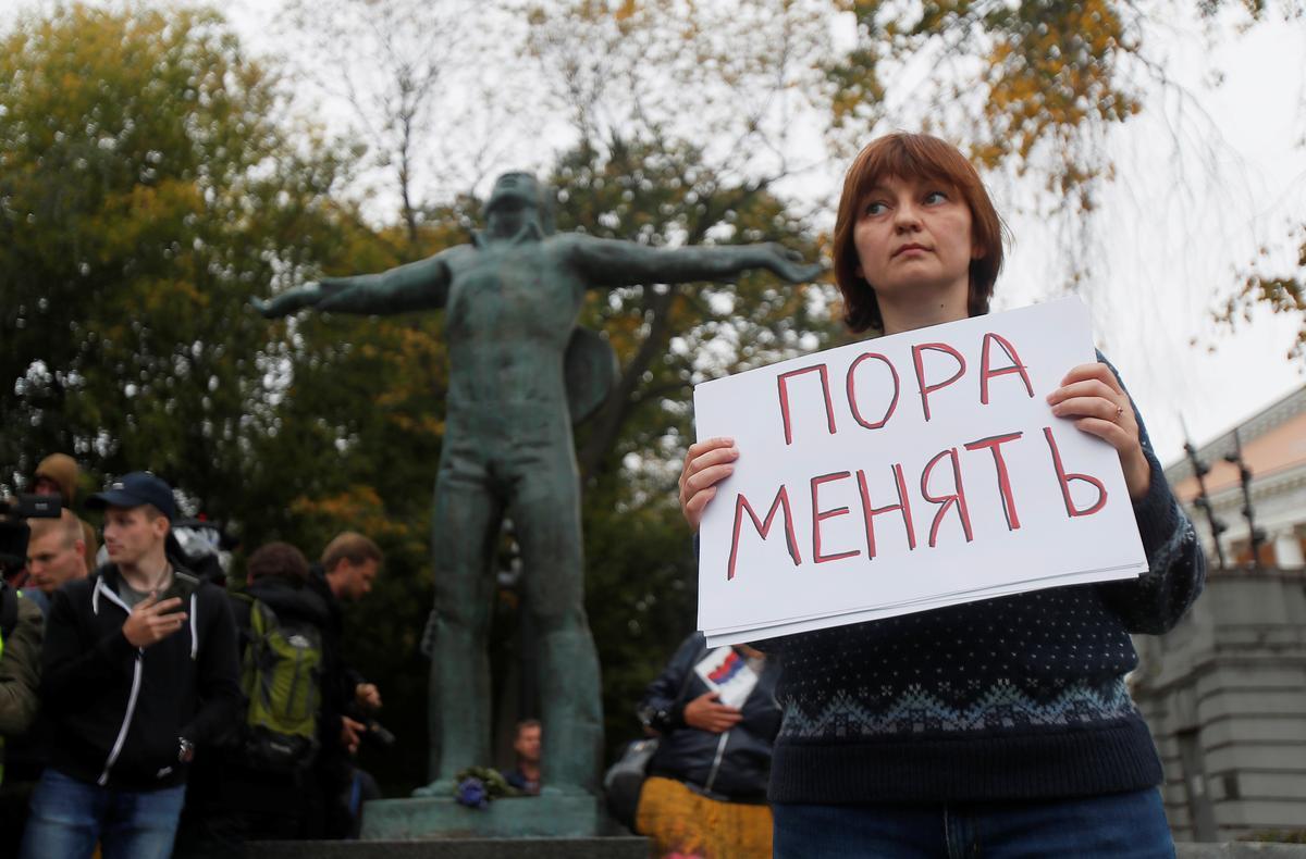 Russiese opposisie-aktiviste betoog vir gratis verkiesings