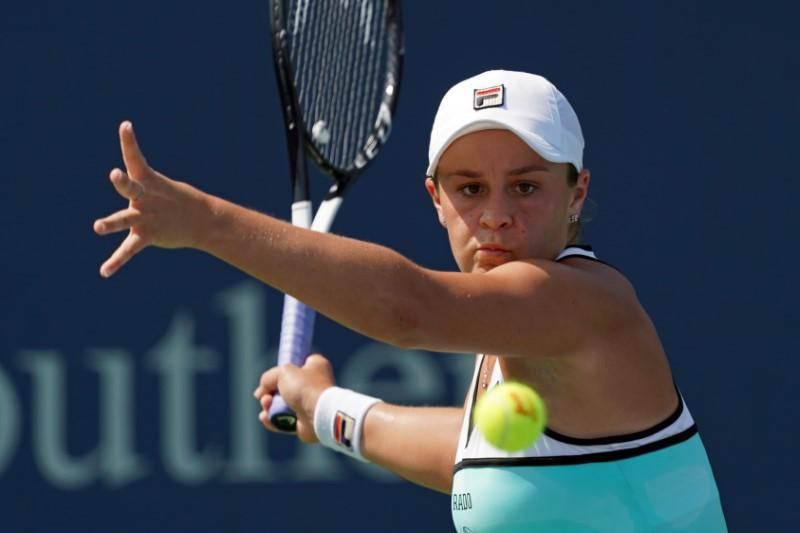 Barty fails to regain top ranking after falling to Kuznetsova
