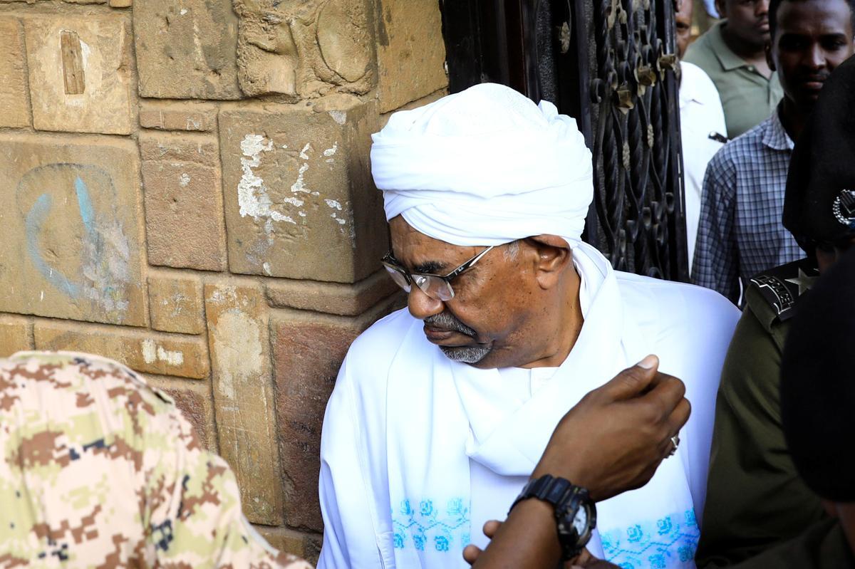 Soedan se oudpresident Bashir kom op korrupsieverhoor