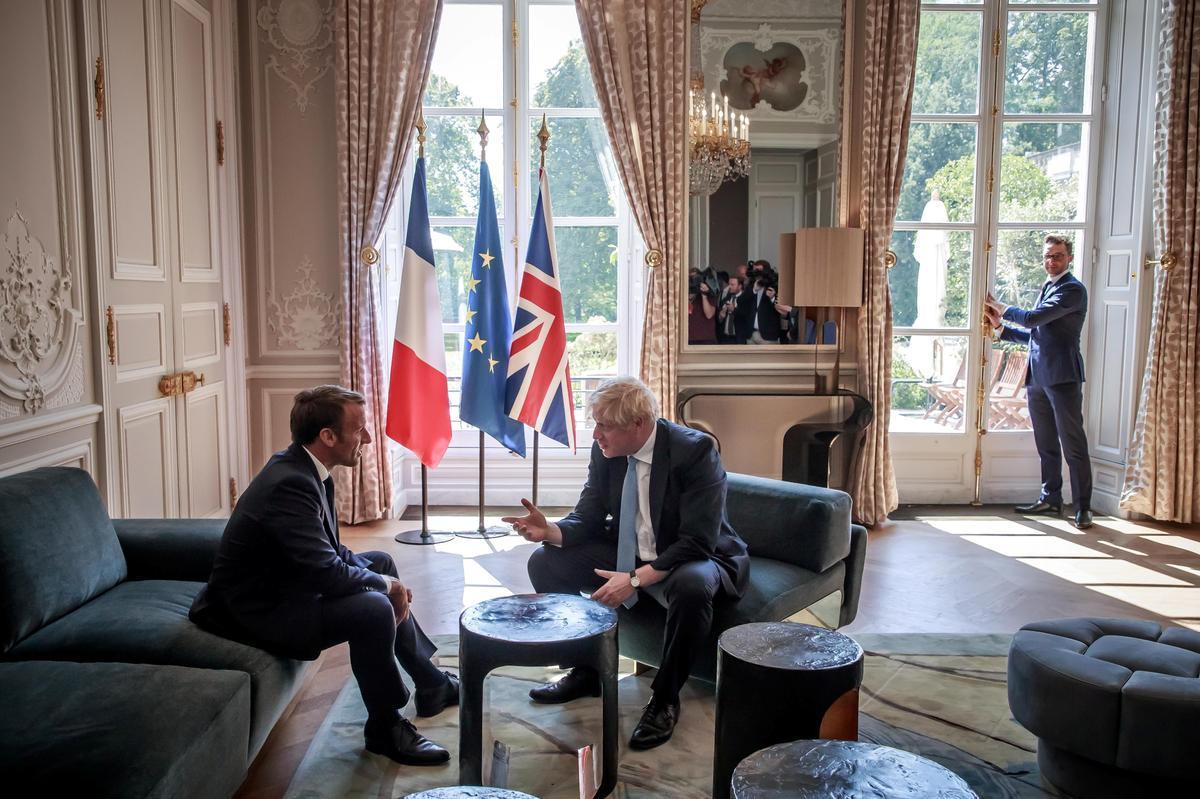 Onderhandelinge tussen Brittanje en die EU moet die integriteit van die interne mark, Ierse stabiliteit, respekteer: Macron