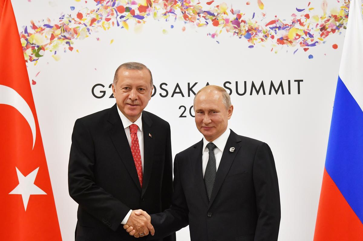 Voor die vergadering, verwag Turkye dat Rusland Siriese magte sal help bekamp