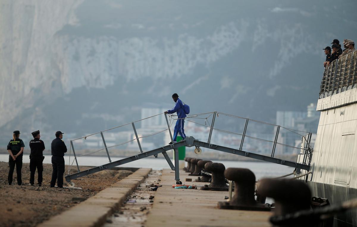 Meer as 150 migrante breek in die Spaanse Noord-Afrikaanse enklawe in