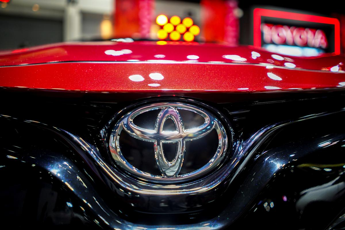 Toyota Tests Solar Powered Prius In Quest For Plugless