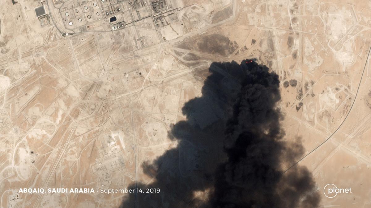 Iran verwerp die Amerikaanse eis dat dit agter Saoedi-olie-stakings was, sê gereed vir oorlog