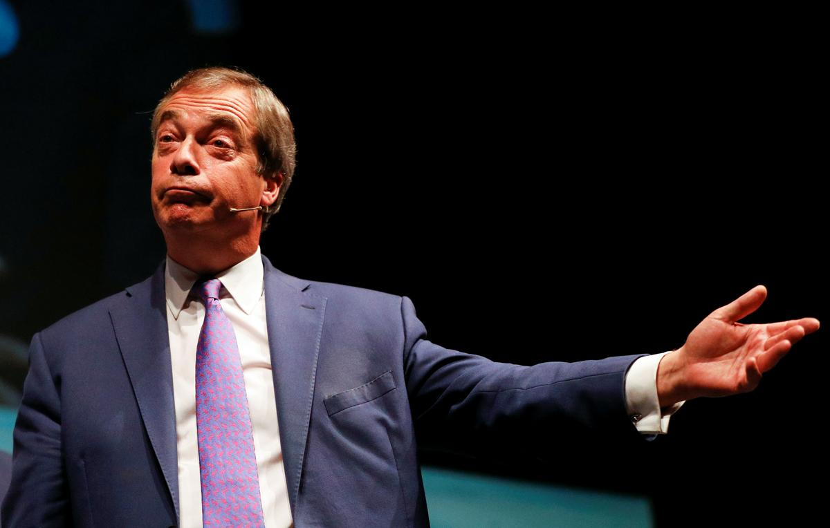 Brexit sal weer uitgestel word wanneer die transaksie van PM Johnson val, sê Nigel Farage