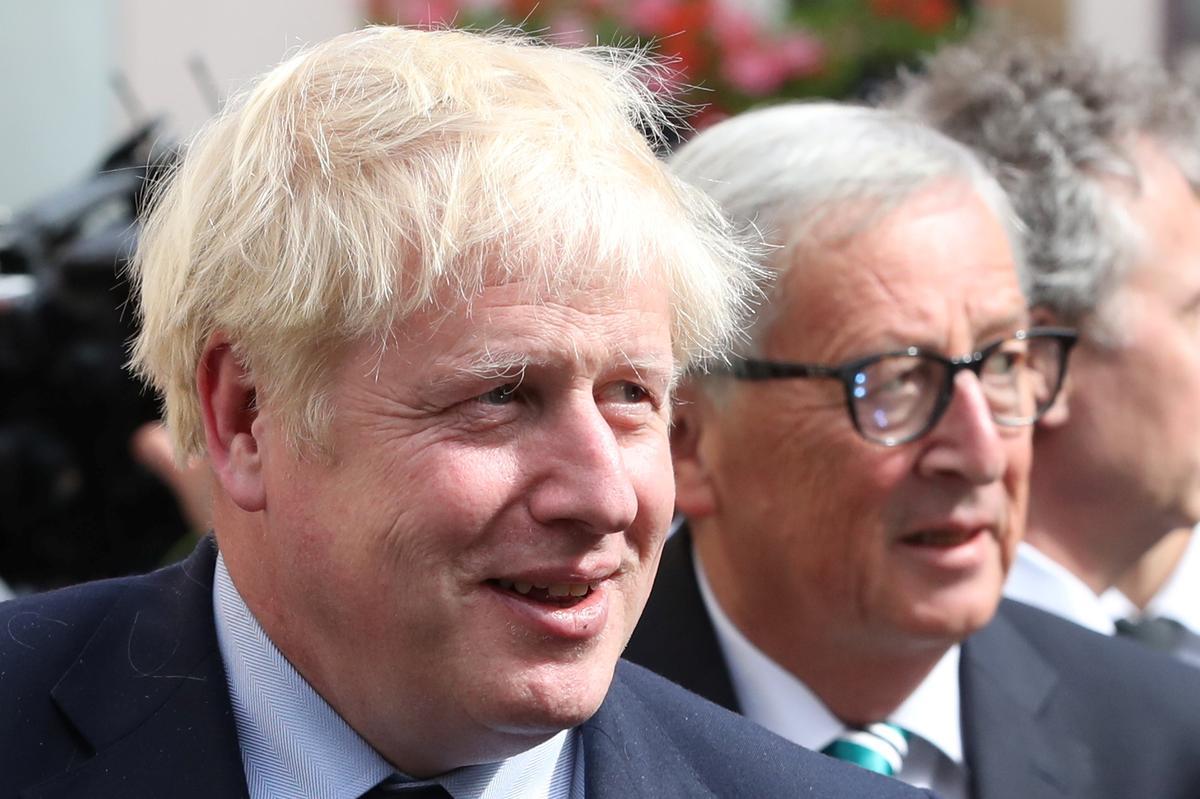 Brexit onderhandel met die EU om te verskerp, en premier Johnson stel uitgangsvertraging uit