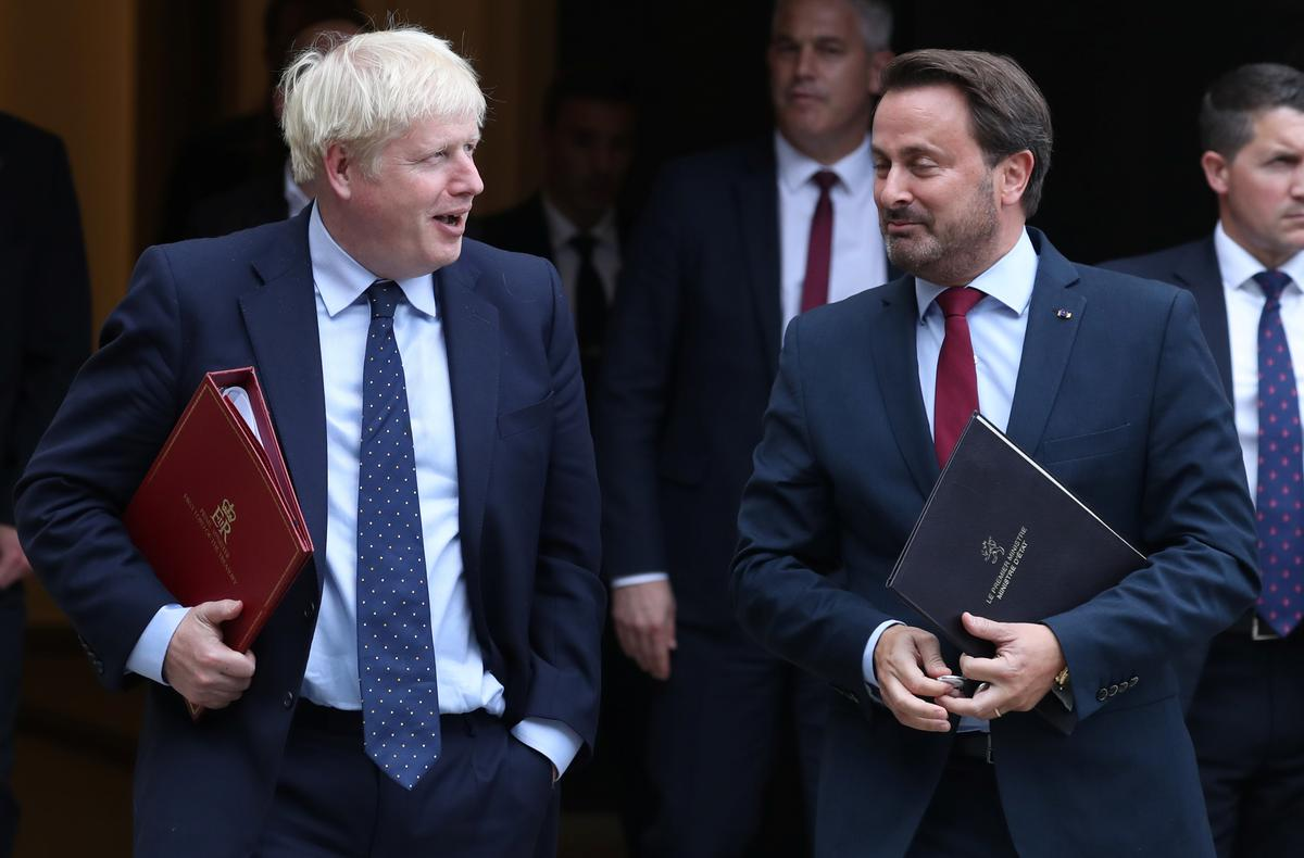 PM Johnson booed by protesters in Luxembourg