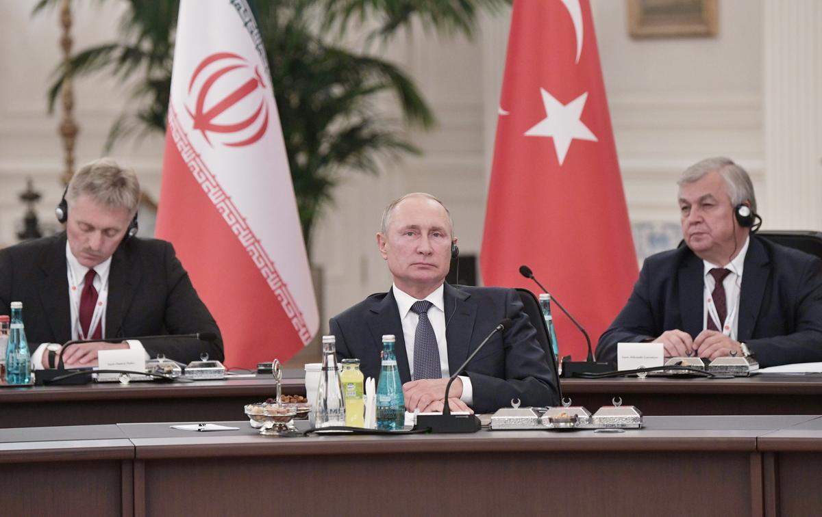 Poetin stel Russiese wapens vir Saoedi-Arabië voor ná aanvalle in die oliebedryf