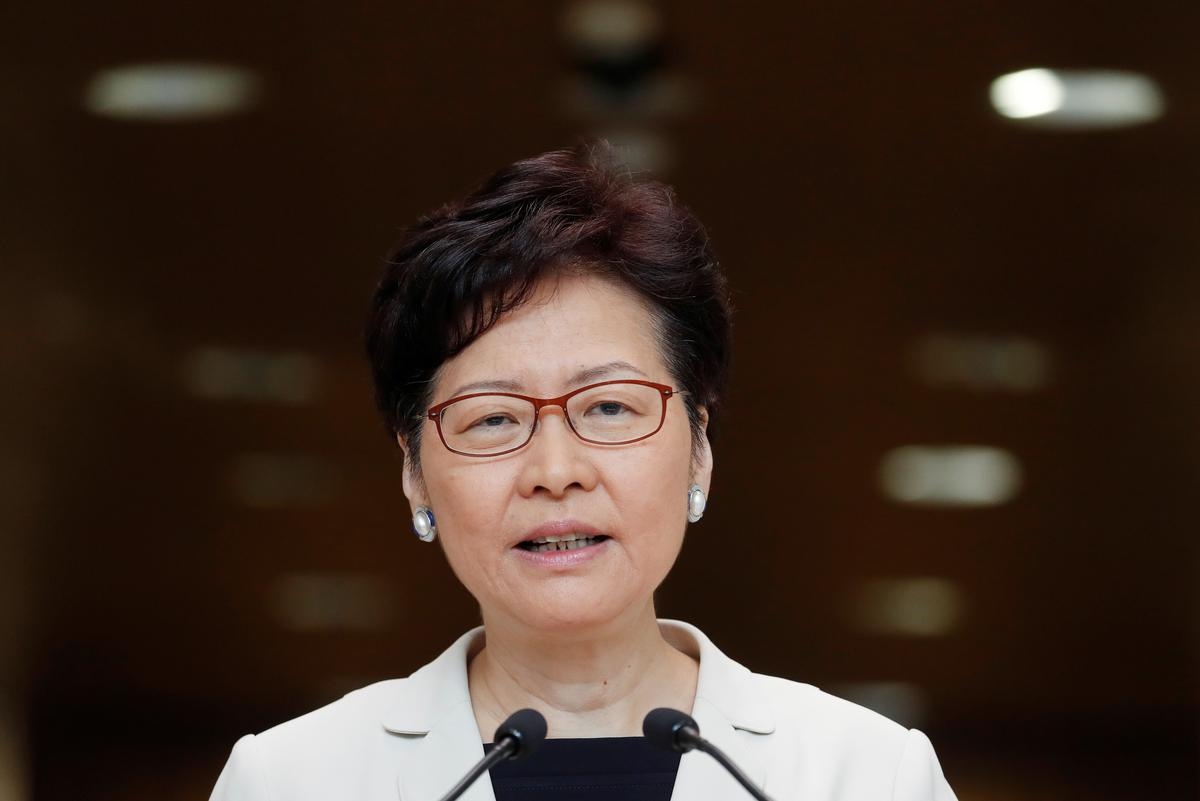 Hongkong-leier hou 'n dialoog om spanning te verlig