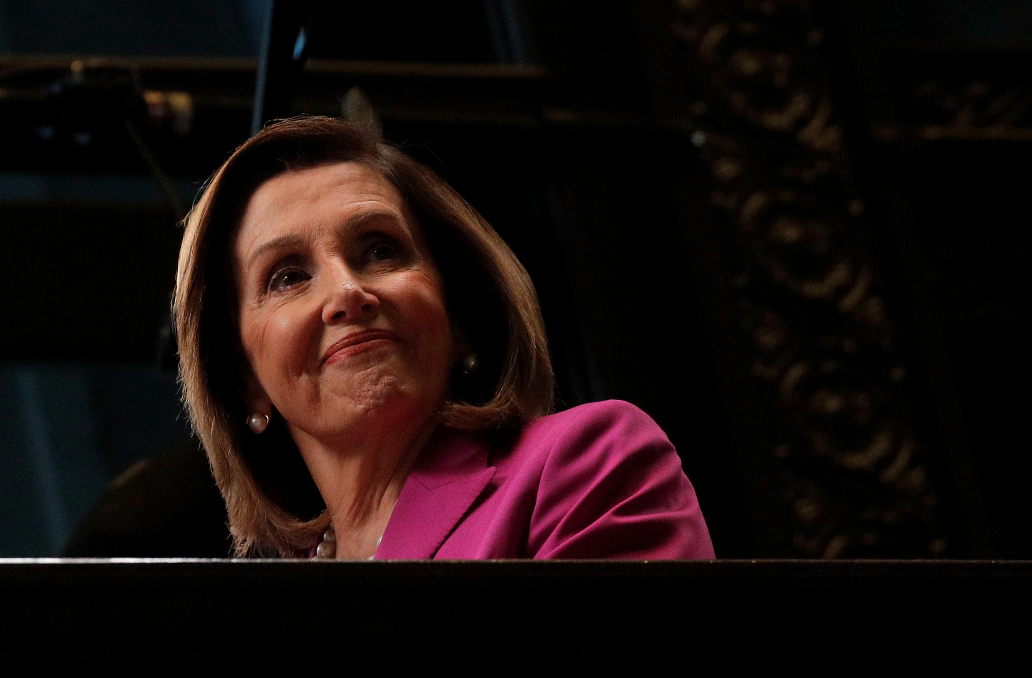 U.S. Speaker Pelosi unveils drug price plan, Trump welcomes it