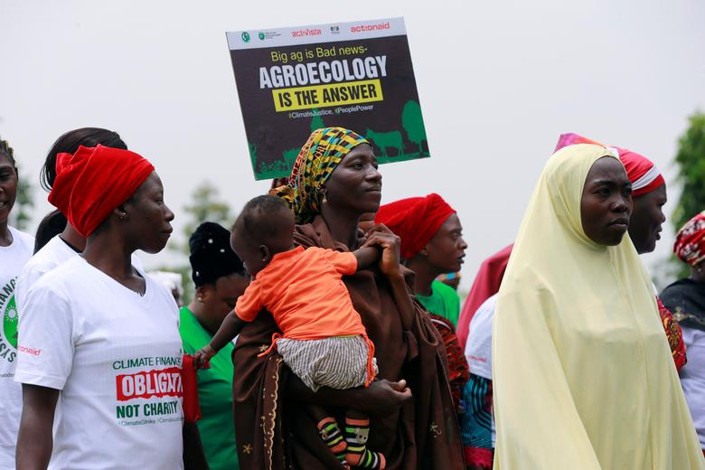 Grupos ambientalistas llaman a la acción de huelga climática global durante una manifestación en Abuja, Nigeria, el 20 de septiembre. REUTERS / Afolabi Sotunde
