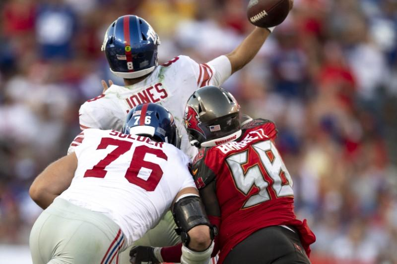 NFL roundup: Jones rallies Giants past Bucs in debut