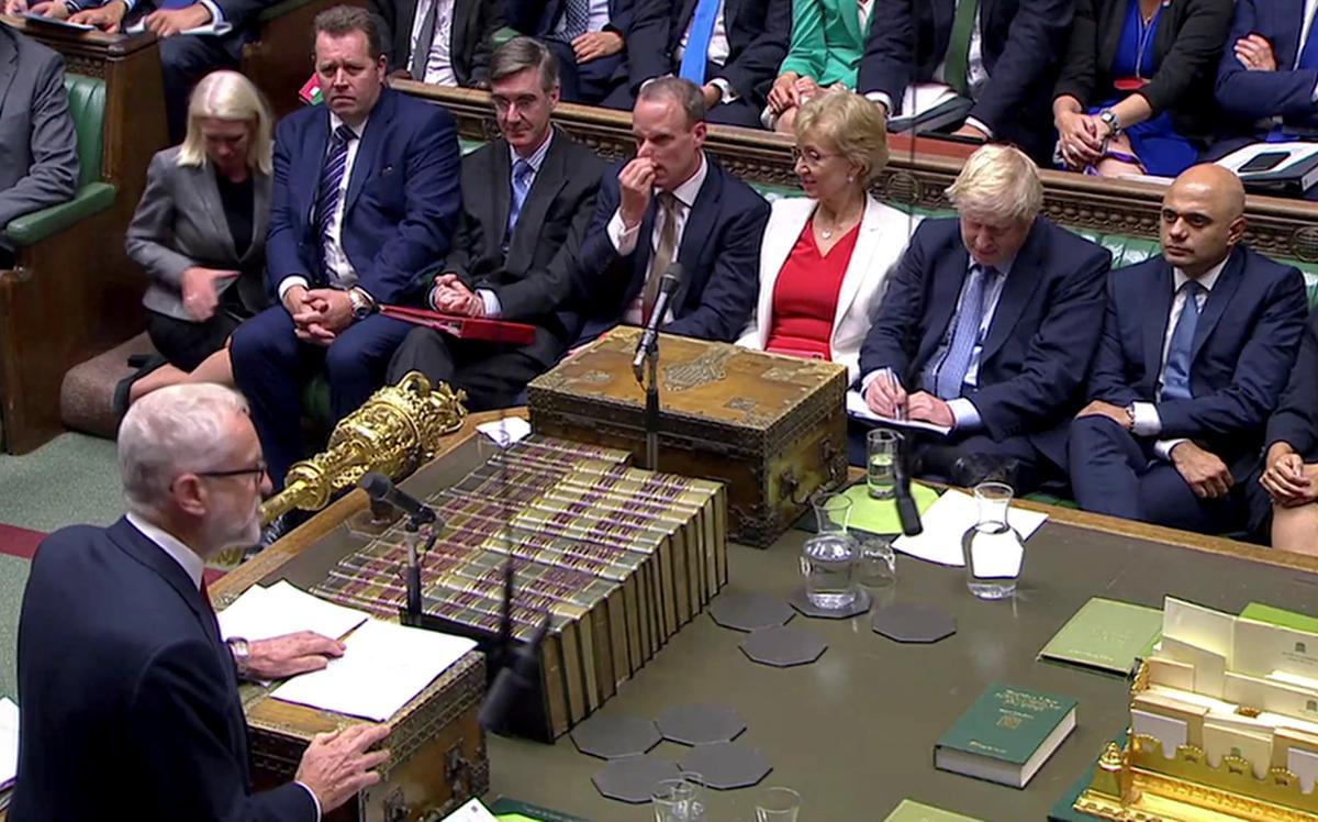 Die premier van die premier Johnson verkies om verkiesing te roep terwyl die stormers oor Brexit opvlam
