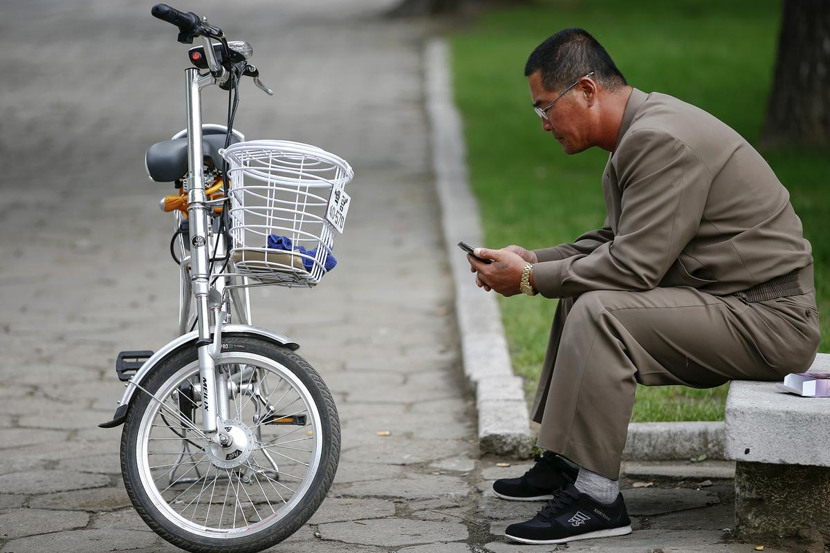 How a sanctions-busting smartphone business thrives in North Korea